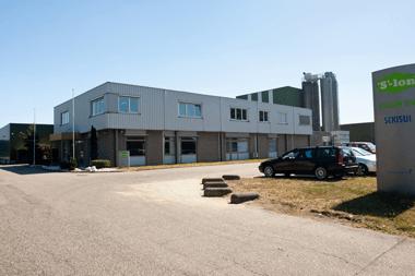 Weitere Informationen über den Hersteller (Sekisui Eslon BV) von Dachrinnen-Sets, Dachrinnen und Zubehör für Ihr Gartenhaus, Blockhütte, Chalet, Garage oder Carport.